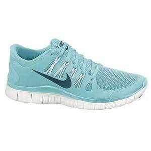 Nike Aqua Free-Runs - Size: 9.5
